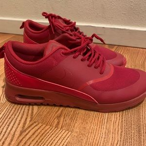 Nike Red Thea Size 8 ❣️